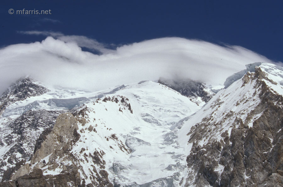 Broad peak 2004 mike farris for Sideboard yannick